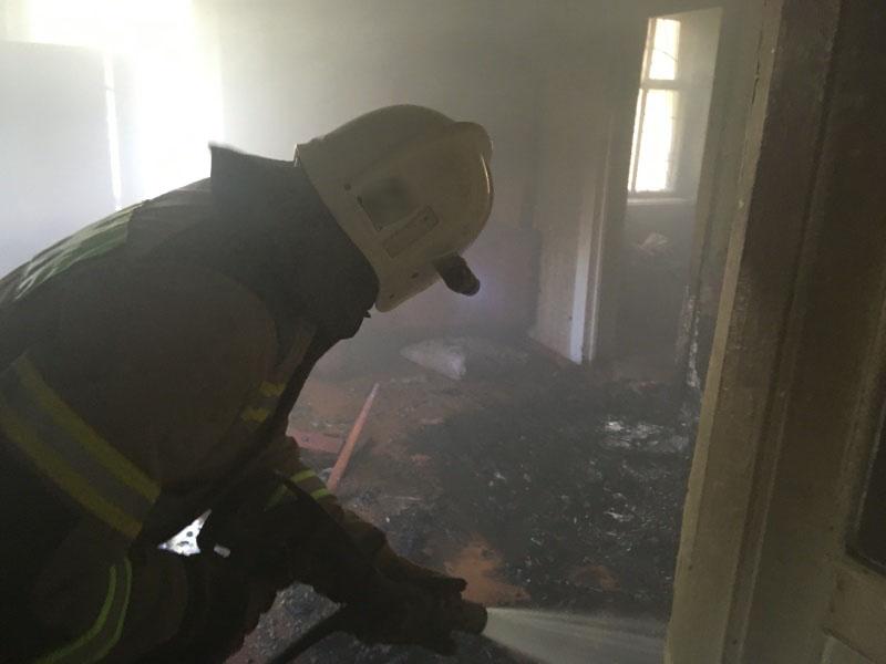На пожаре в г. Керчь сотрудники МЧС России эвакуировали 1 человека.