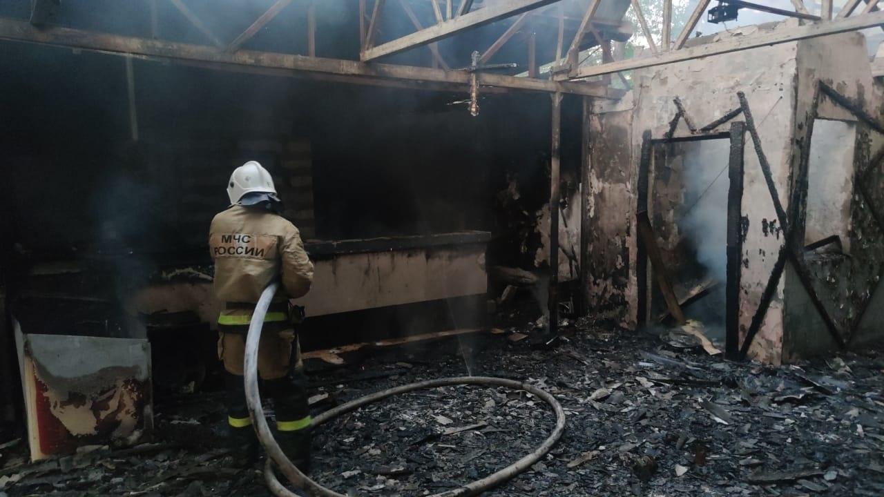 Пожар в кафе на ул. Горького в Феодосии ликвидирован