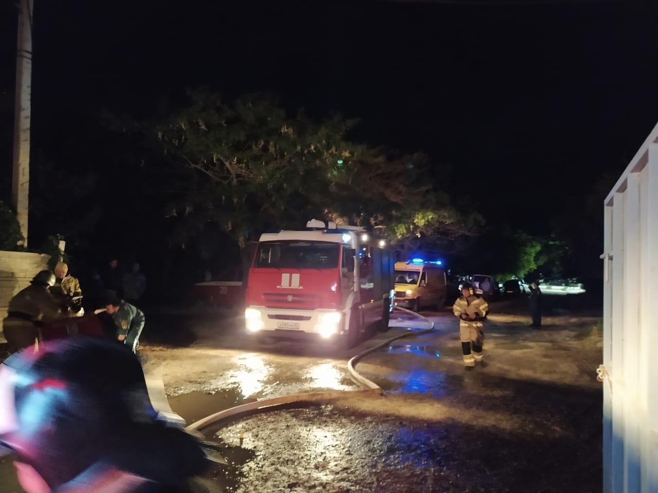 Пожар в заброшенном здании по ул. Десантников ГО Феодосия ликвидирован.